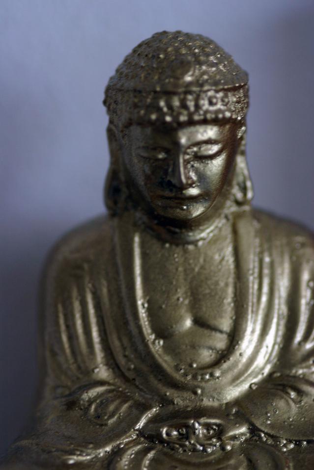 buddha-closeup-1523692-639x958