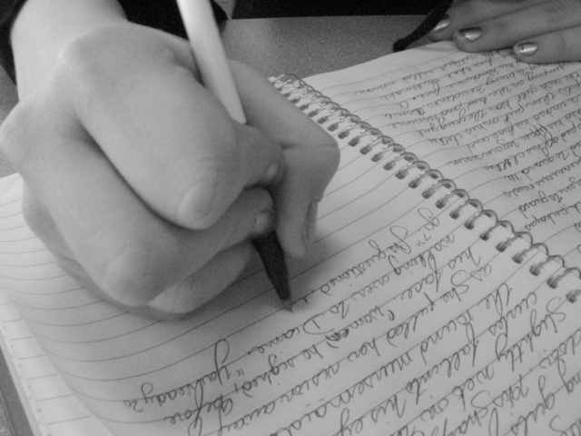 writing-2-1312013-640x480